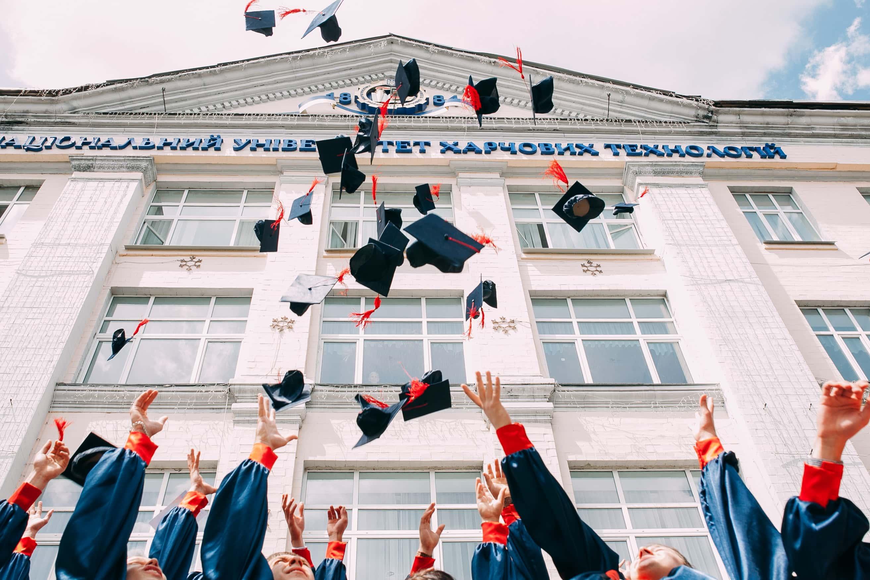 大学中退の最終学歴は高卒?【学歴は応募要件や給料に関わります】